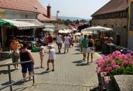 straat-naar-het-marktplein-piac-ter