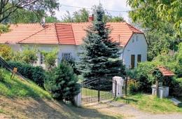 Entree en Villa Zala
